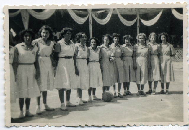 1950_08_24_Bàsquet femení 1_000575