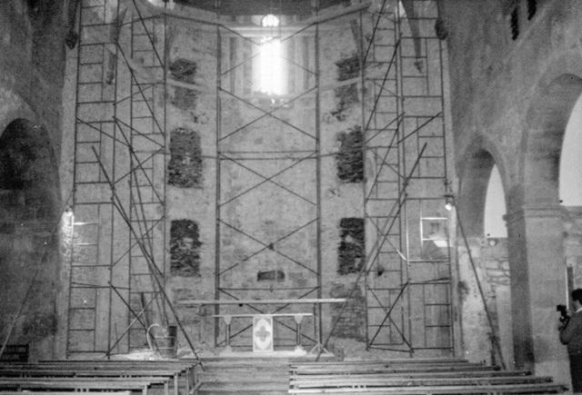 1981_11_01_església_obres restauració interior 2_000417