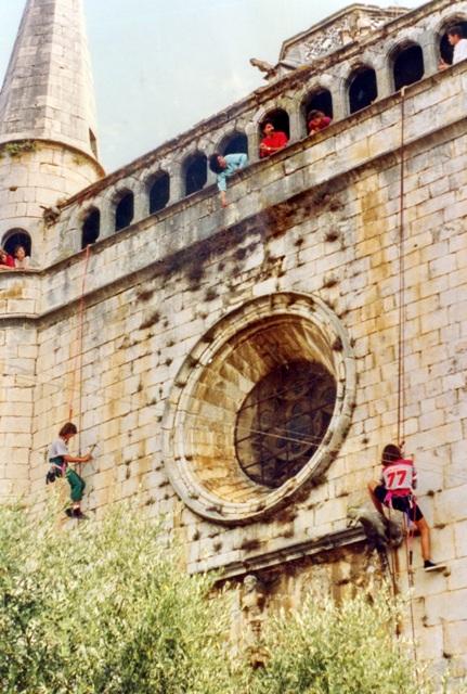 1991_09_11_església_neteja façana_000422