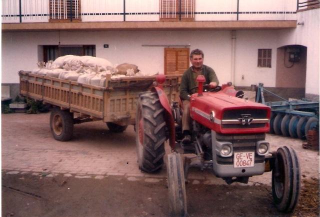 1980_00_00_Agricultura_Tractor carregat_000664